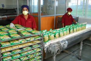 Corn processing at Trimurti Corn Agro Foods