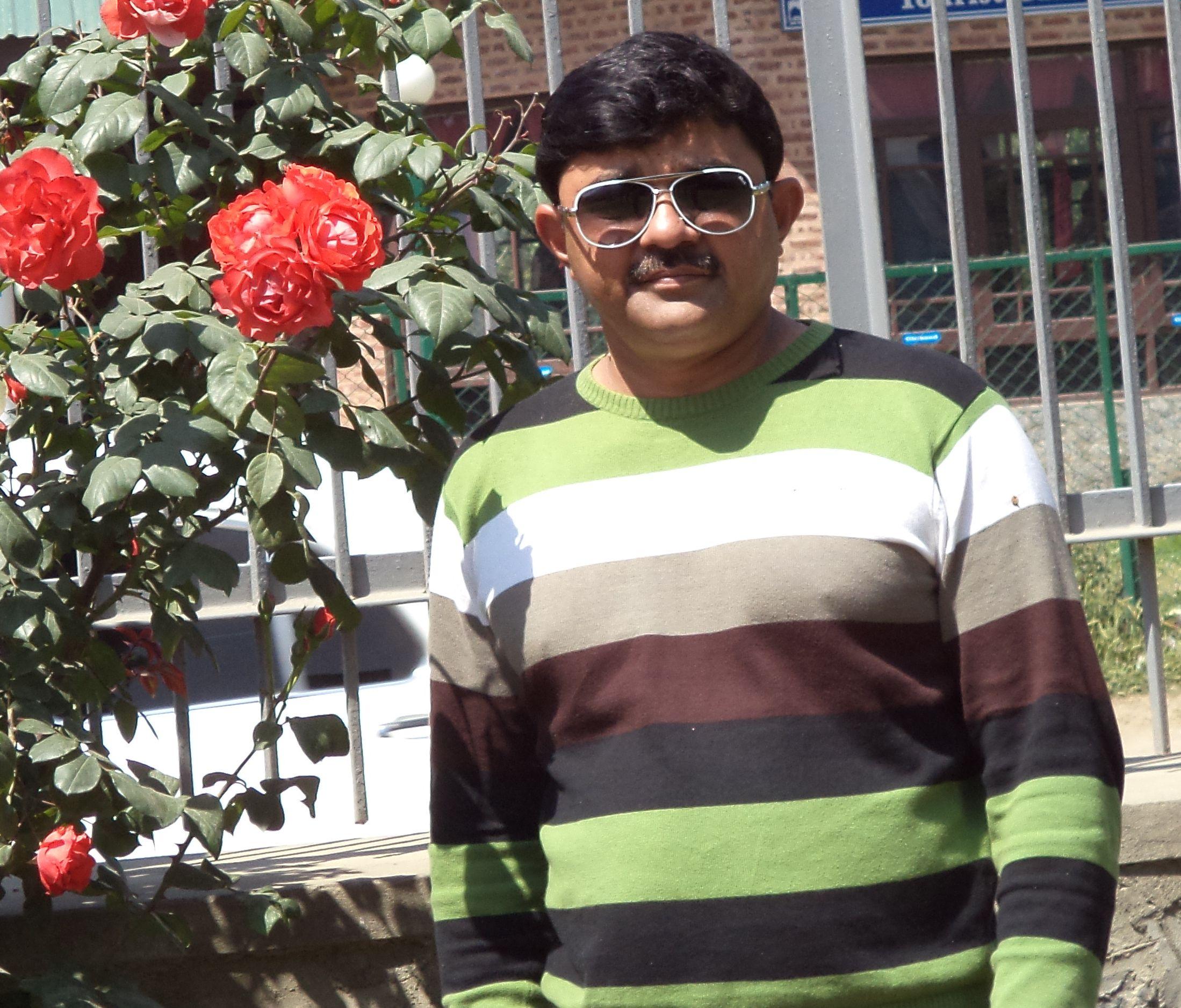Ajay Madane Farm – grows gerbera