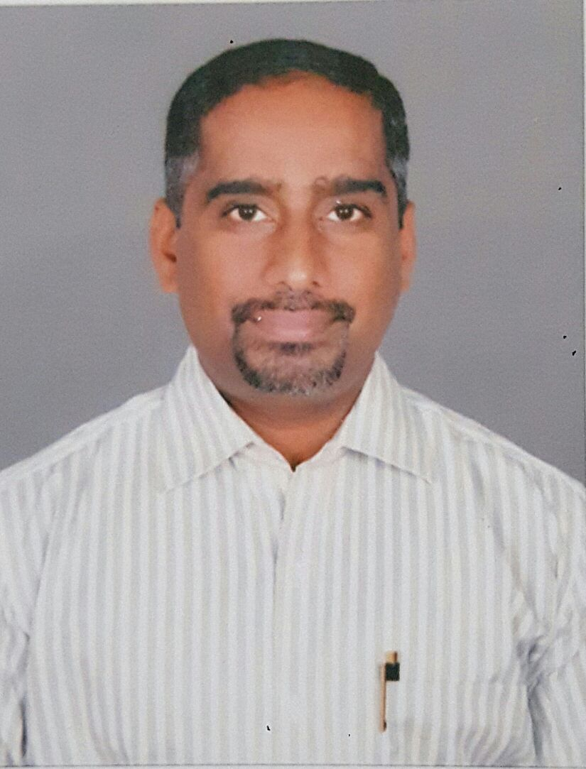 Ashok Barekere – IT Engineer turned farmer grows gerbera flowers in polyhouse at Turuvekere, Tumkur District, Karnataka