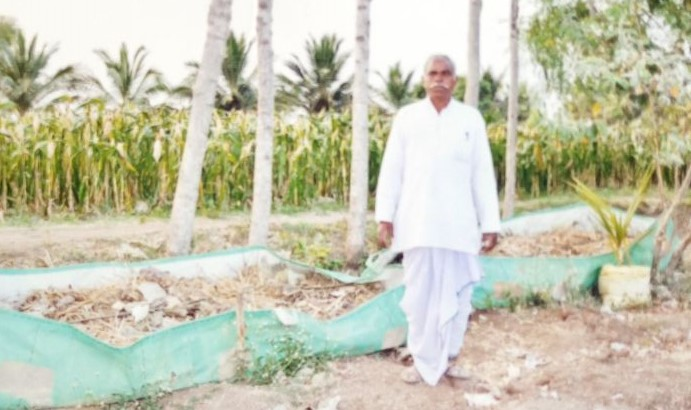 Shivappa Hanumappa Hadimani – grows multiple crops along with livestock rearing for stability in farm operations